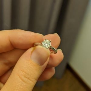 Engagement ring Gia certified diamond size 6